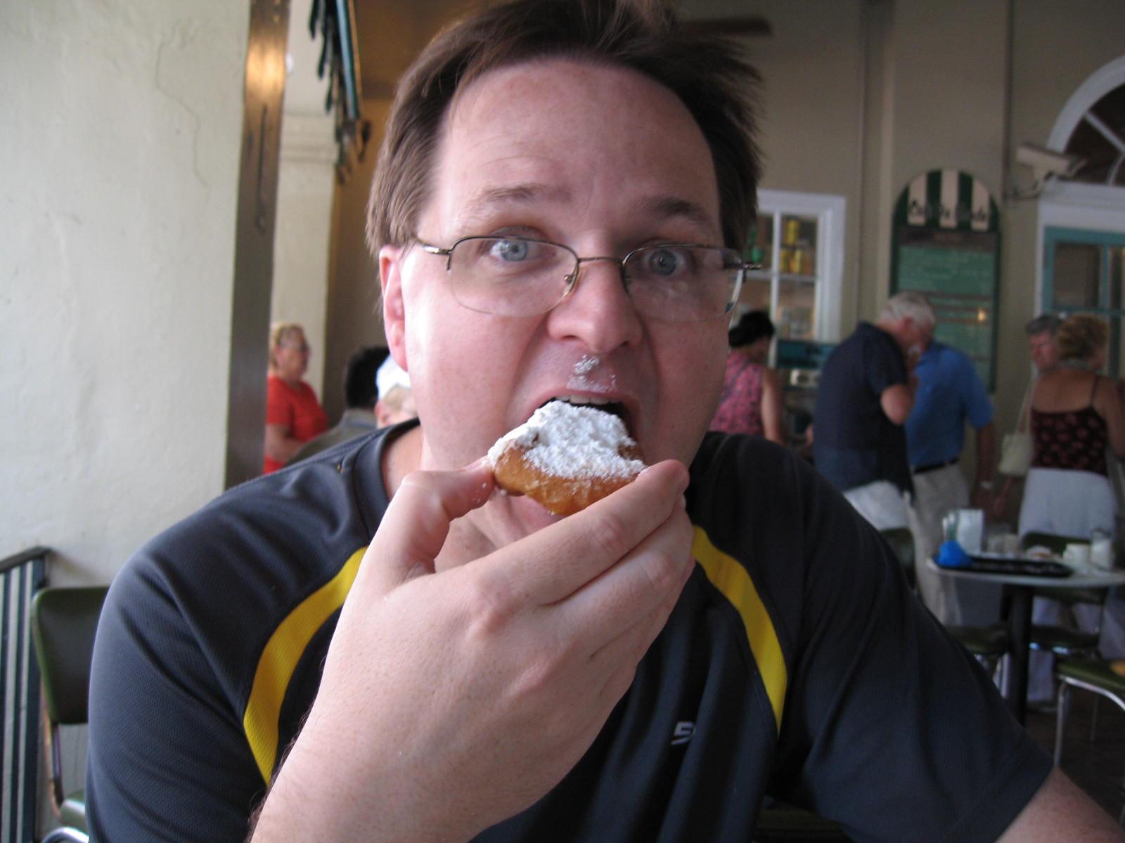 Bob eats beignet